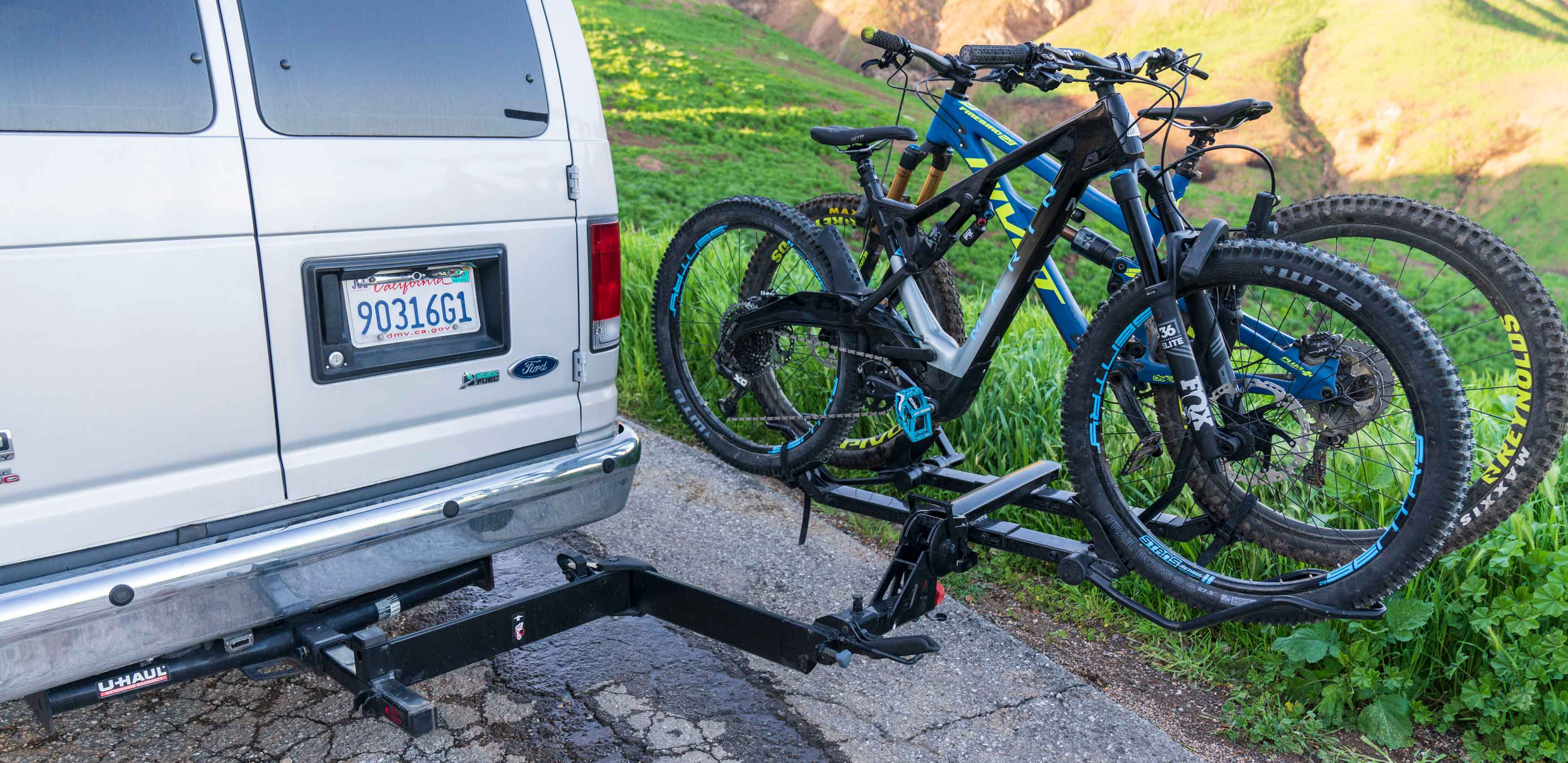 Review: Yakima HoldUp EVO bike rack and BackSwing Hitch