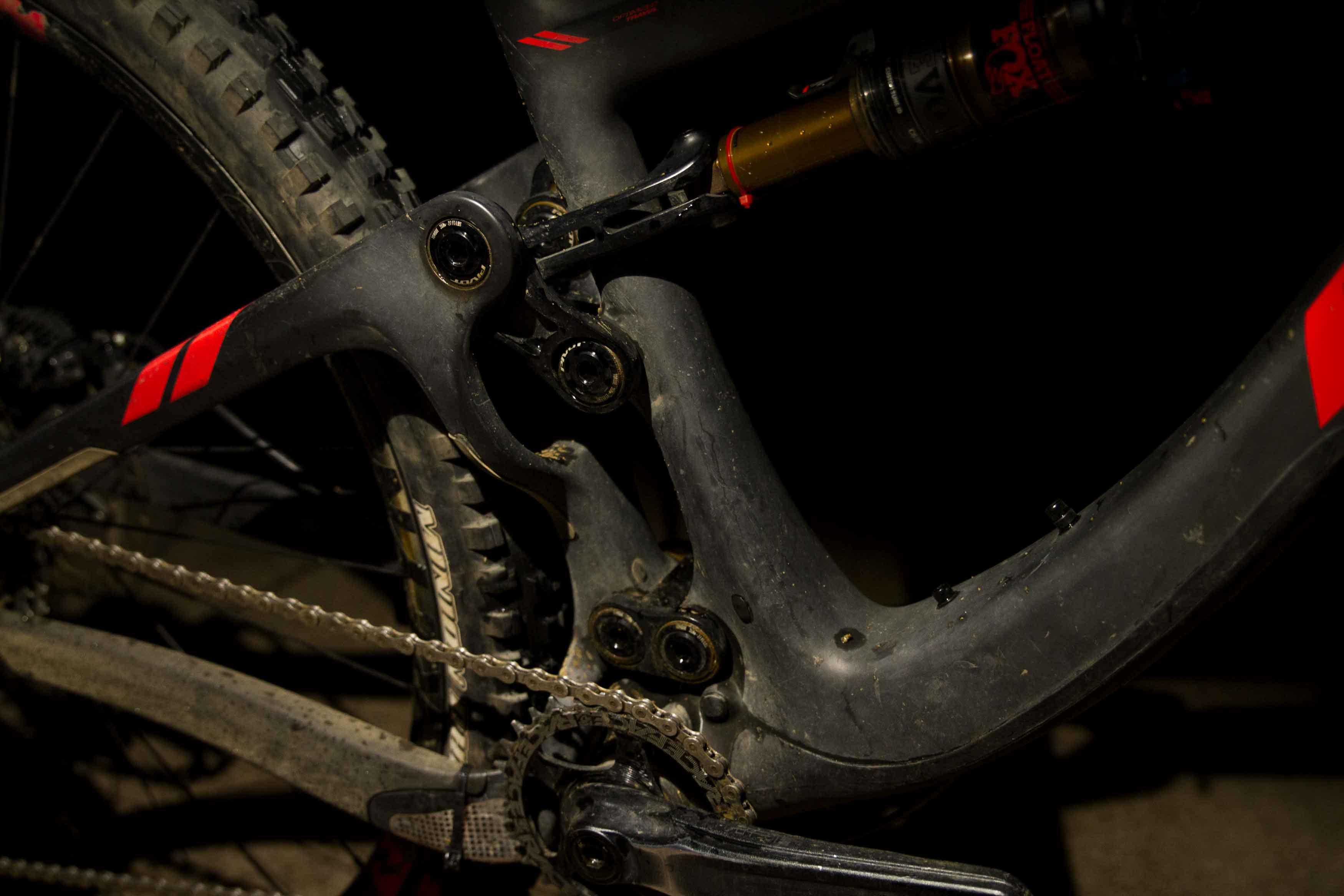 Pivot Switchblade 29er or 27 5 Plus compatible trail bike that can