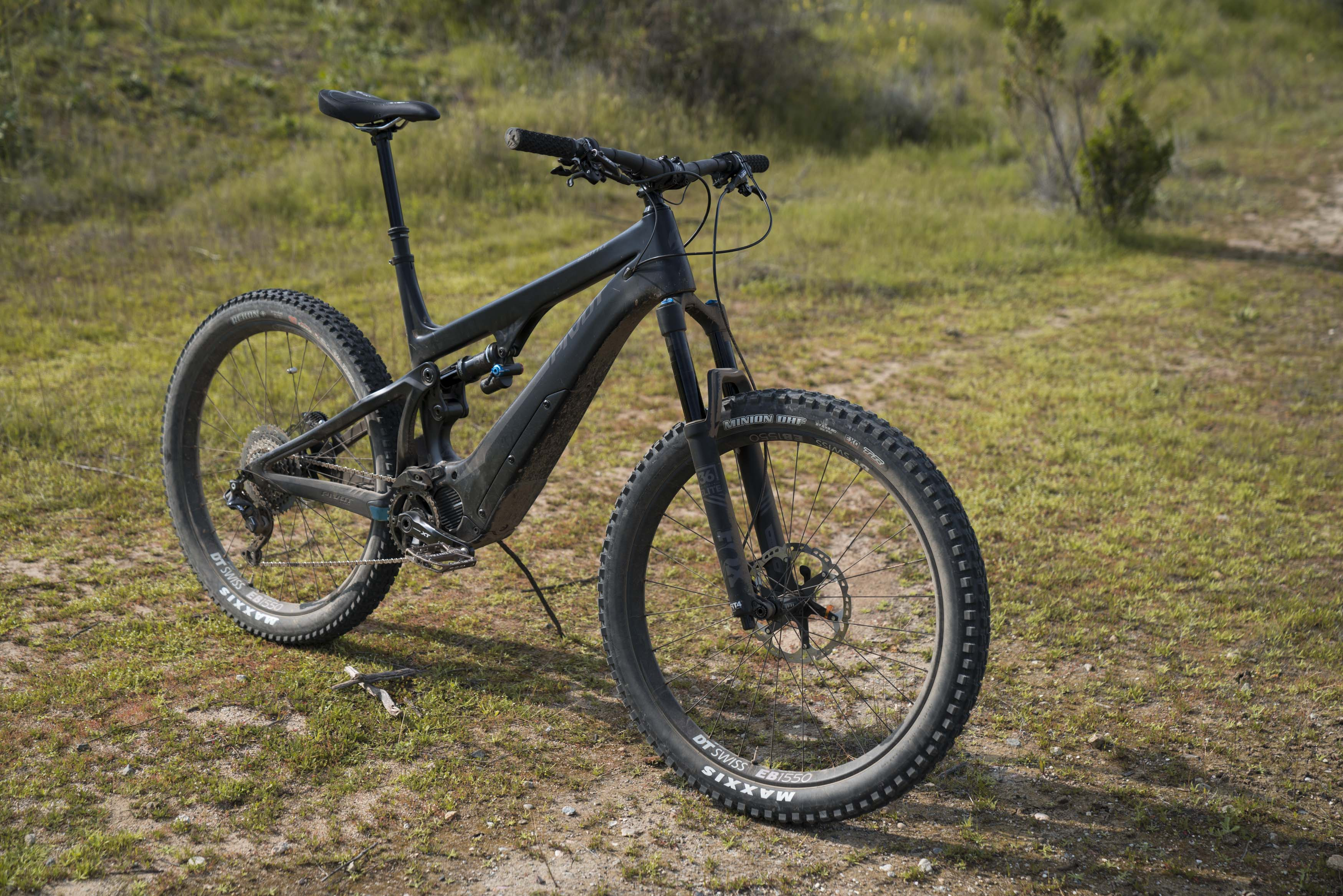 989aec3e992 First Look: Pivot Shuttle. We take out one of the lightest e-bikes ...