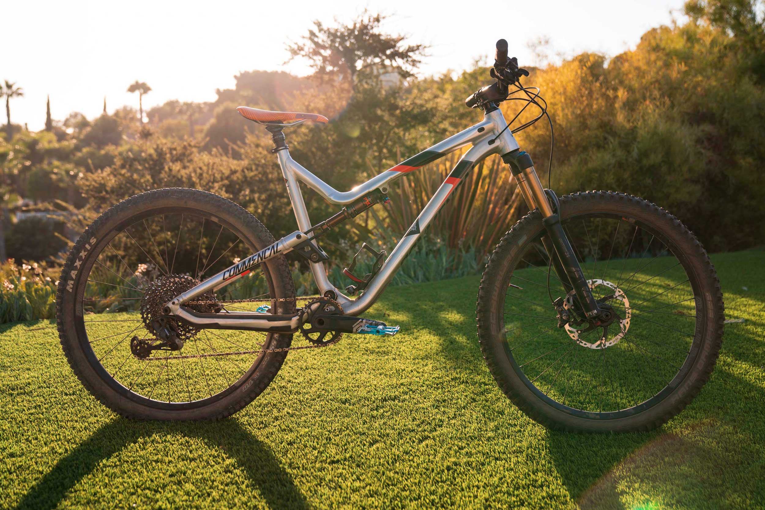 Review: Commencal Meta TRAIL V4.2 RACE