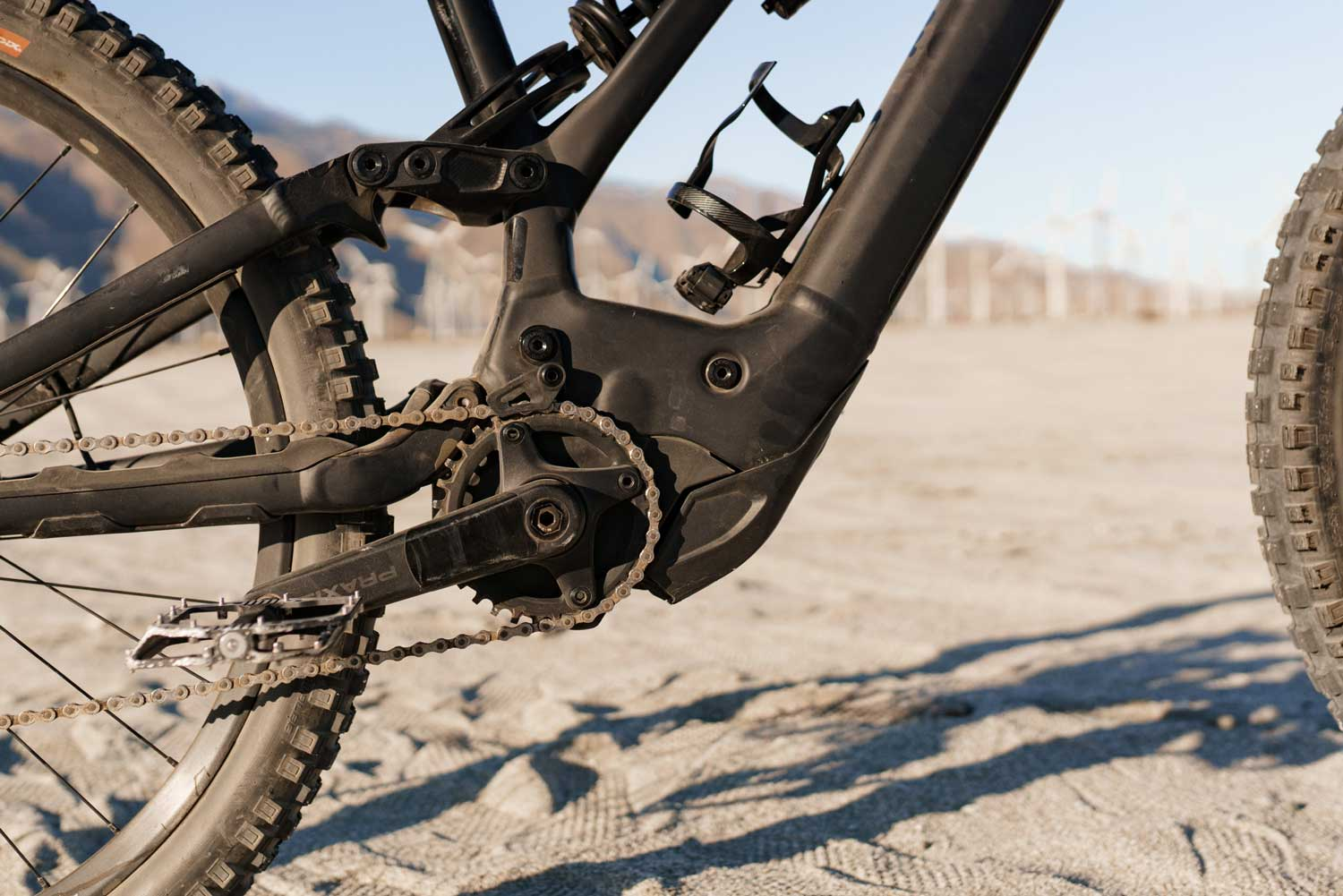 Specialized Kenevo Expert frame and chain