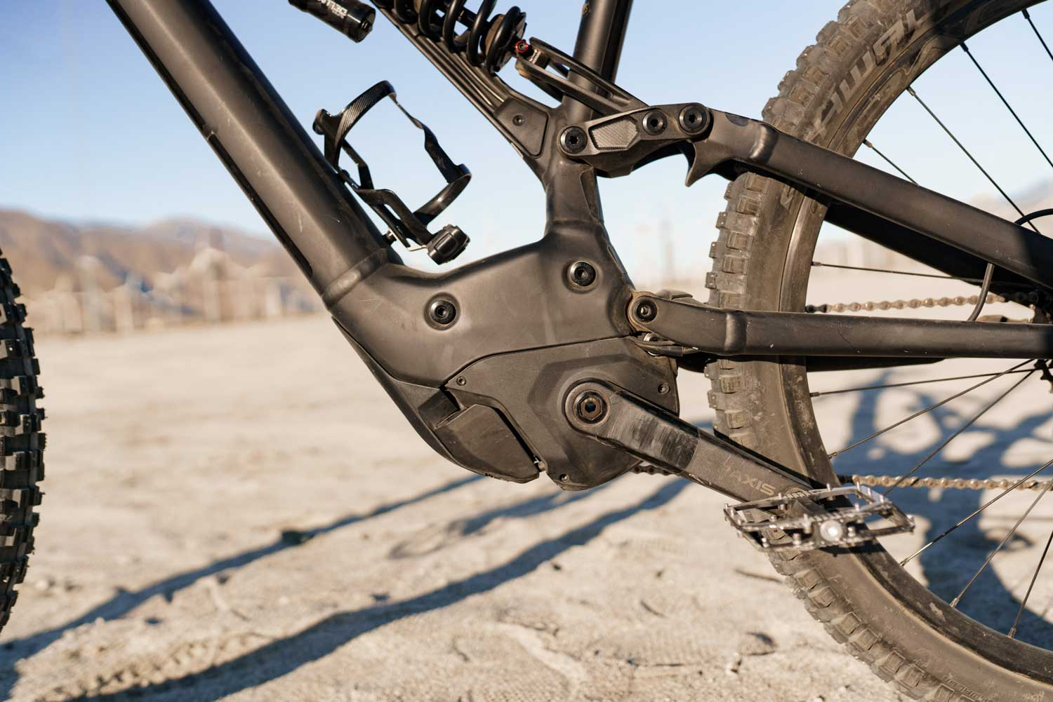 Specialized Kenevo Expert eMTB pedal and power
