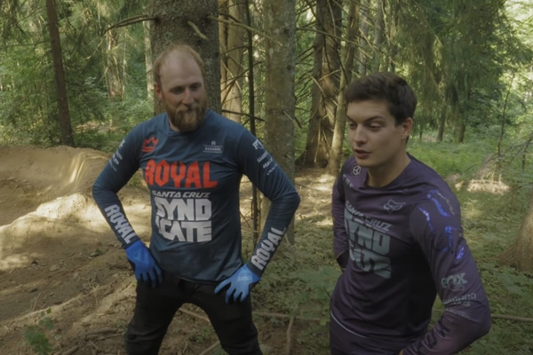 Video: <br>Steve Peat vs Loris Vergier!!