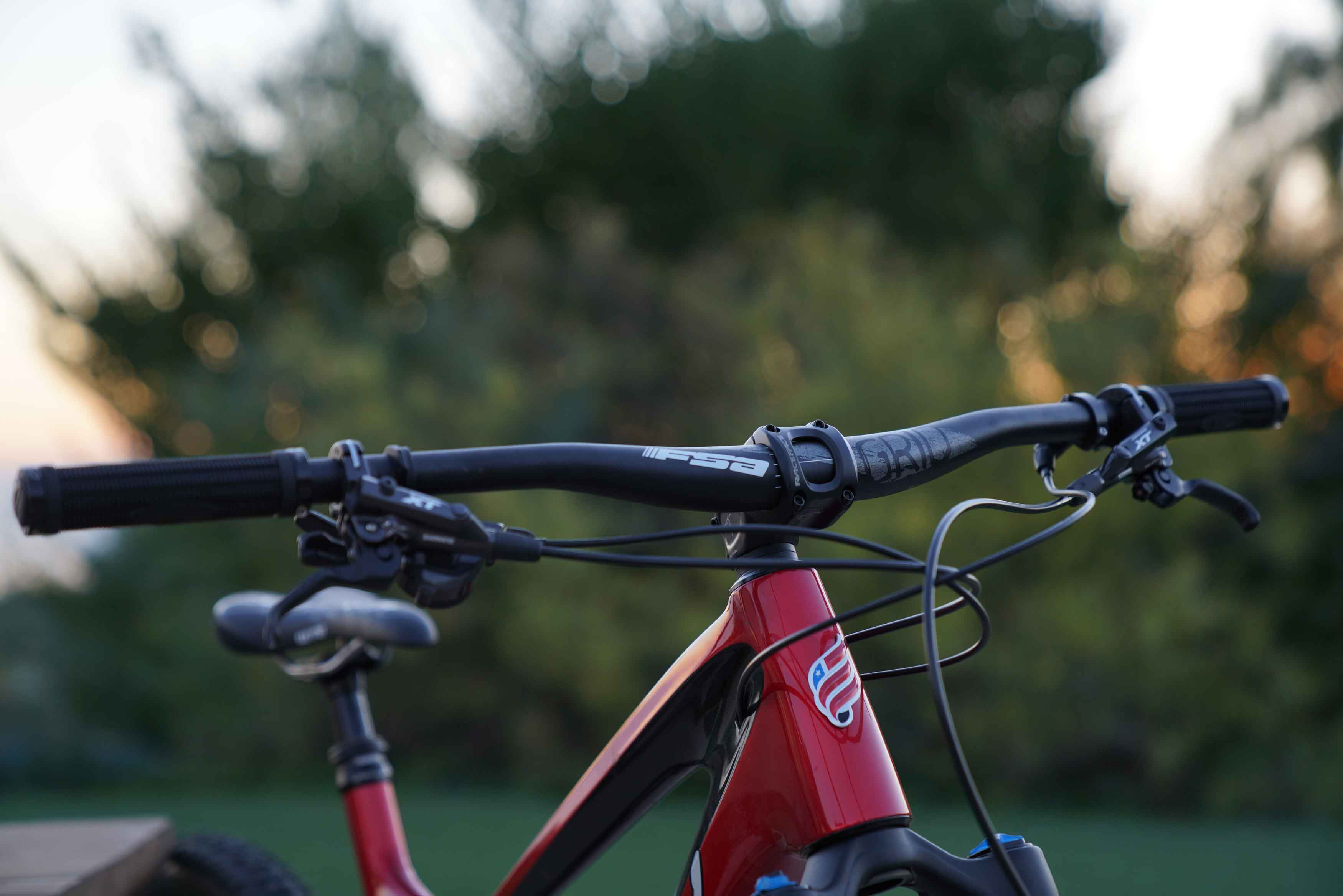 FSA Grid Handlebar Best Gifts for Mountain Bikers