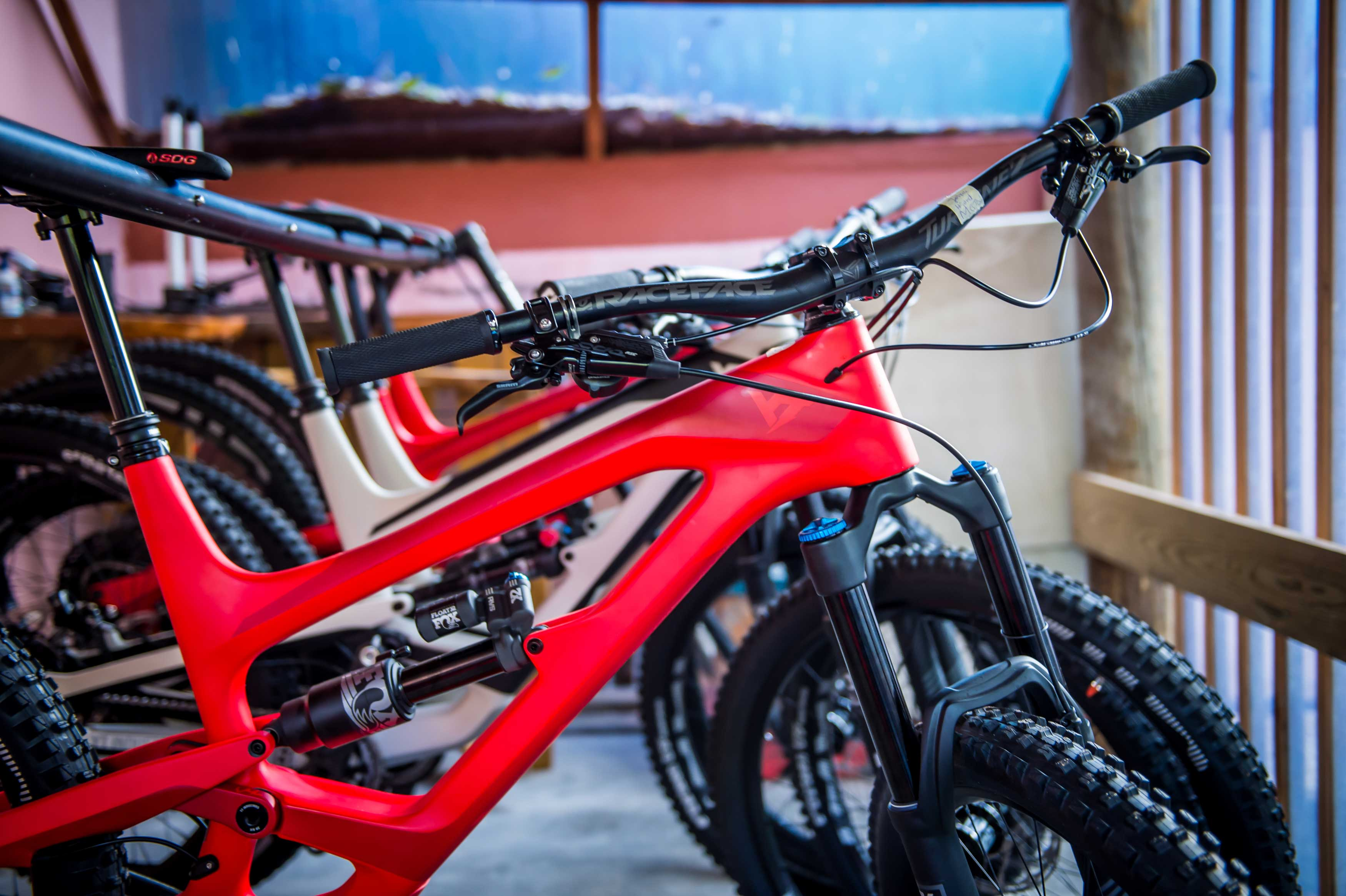 First Ride The 2018 Yt Capra 27 5 And 29 The Goat Returns