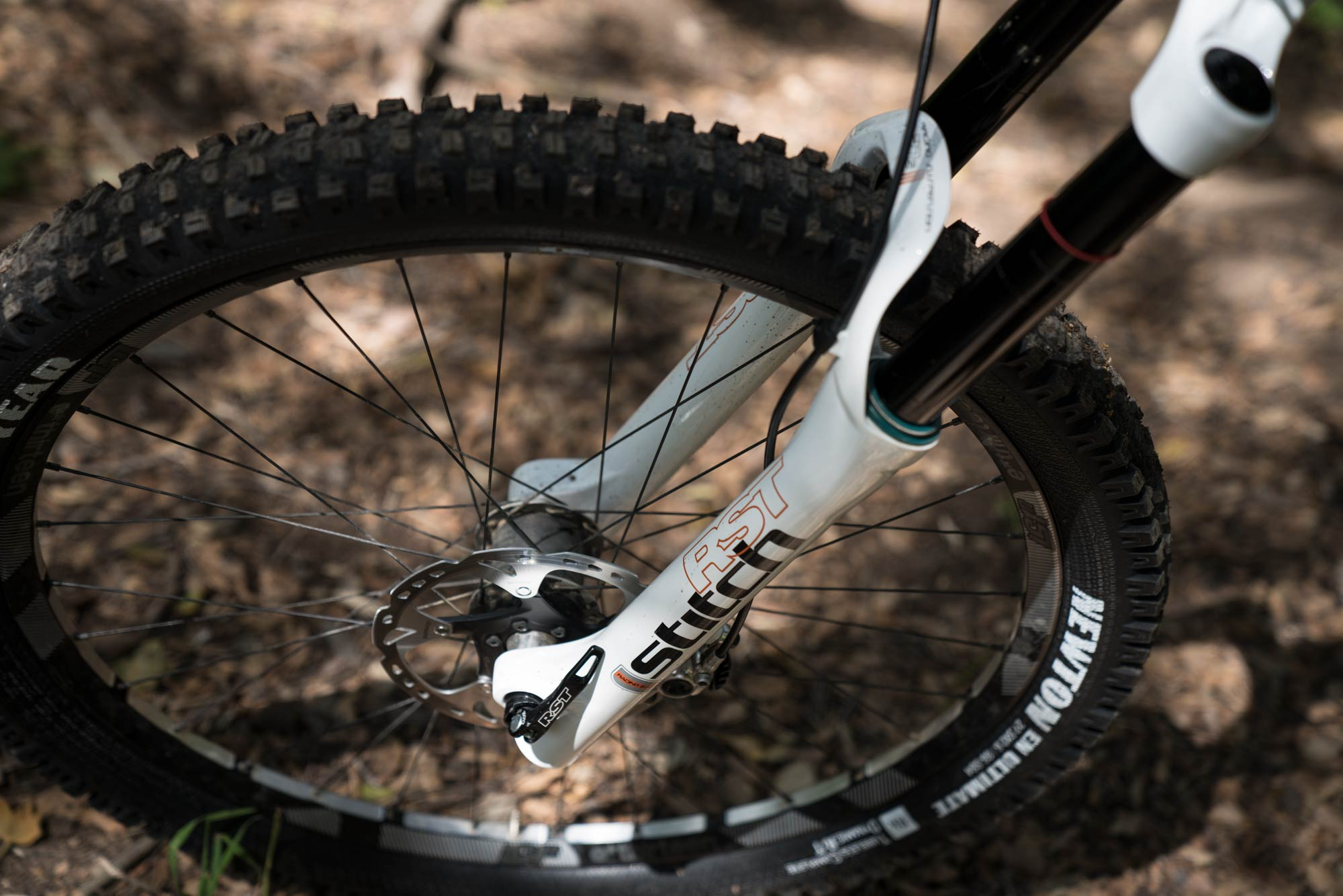 RST Suspension Stitch Coil Fork